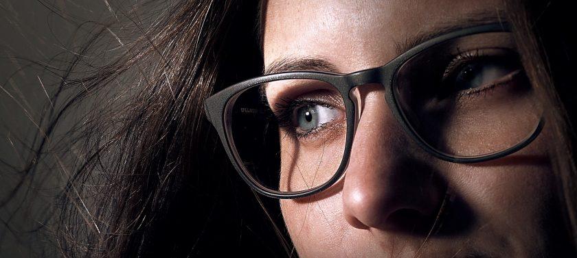 Brille und Frisur – Optiker Steiermark